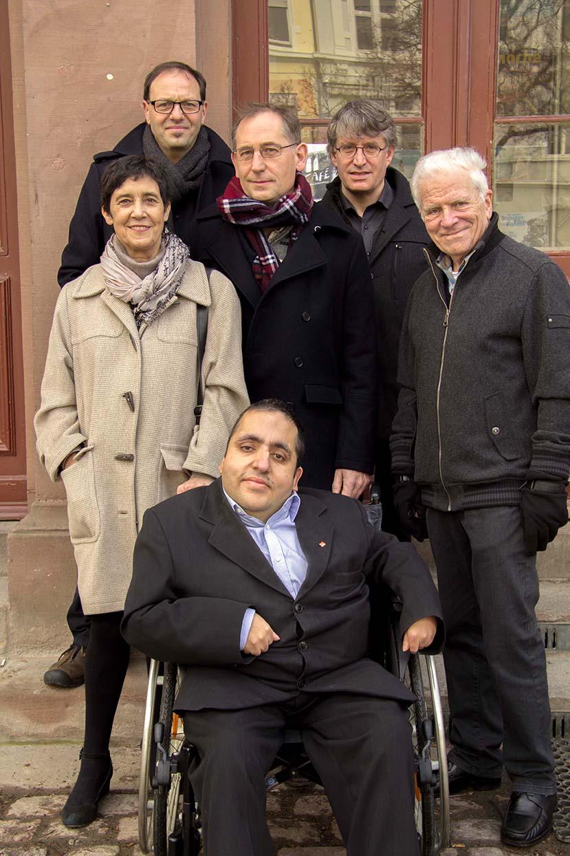 Hier sehen Sie den Vorstand unseres Ortsvereins. Marion Jegal, Roland Meder, Hans Steiner, Günther Lachenmann und Ismael Hares.